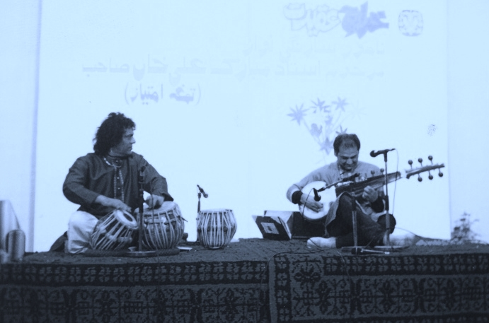 Asad Qizilbash Performs With The Best Tabla Player In The World Abdul Sattar (Tari) 2003