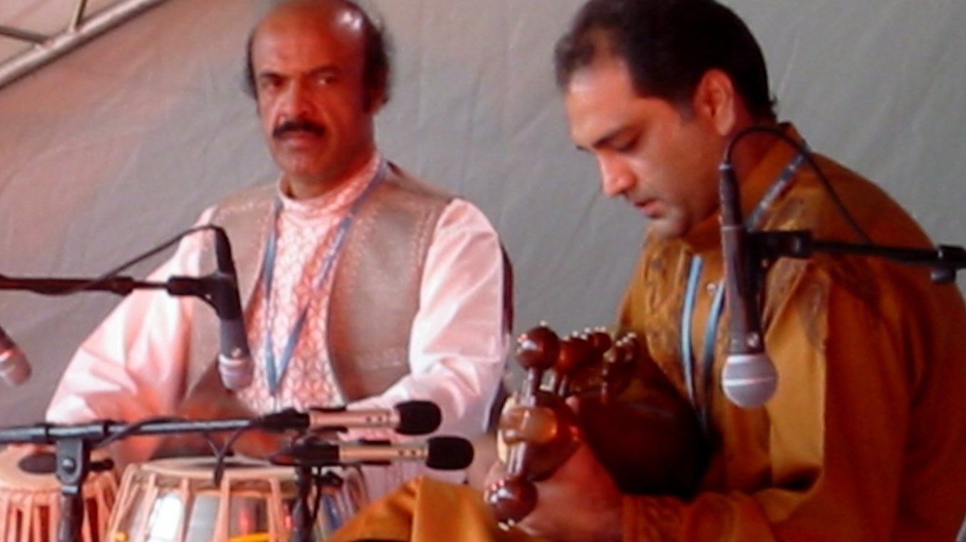 Asad Qizilbash With Ustad Arif Khan in Womad Festival